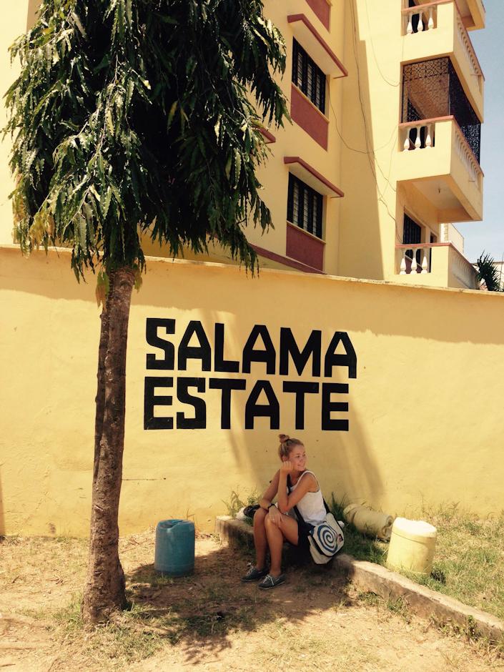 Vor dem Tor zum Salama Estate, Nyali