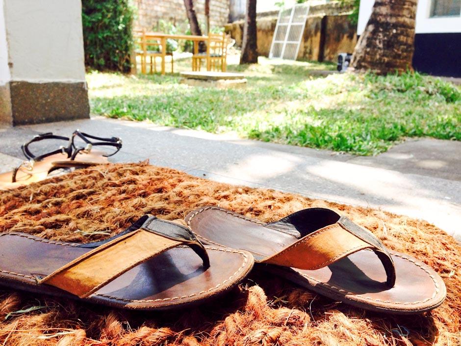 Flip-Flops von Bruce, Salama Estate