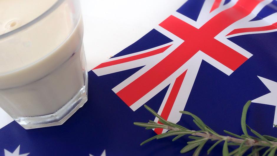 Rum mit Milch am 100. ANZAC Day in Australien