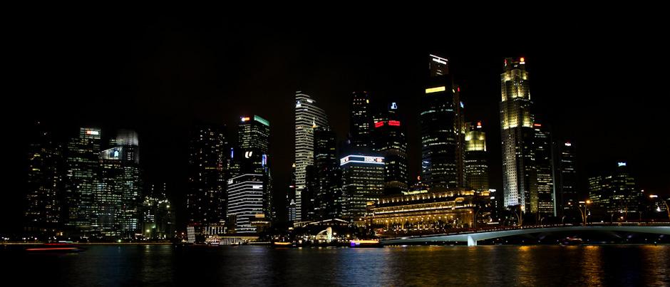 Die Skyline von Singapur bei Nacht, Marina Bay