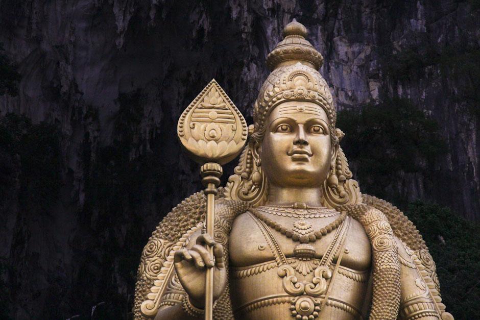 Murugan-Statue vor den Batu Caves, Kuala Lumpur