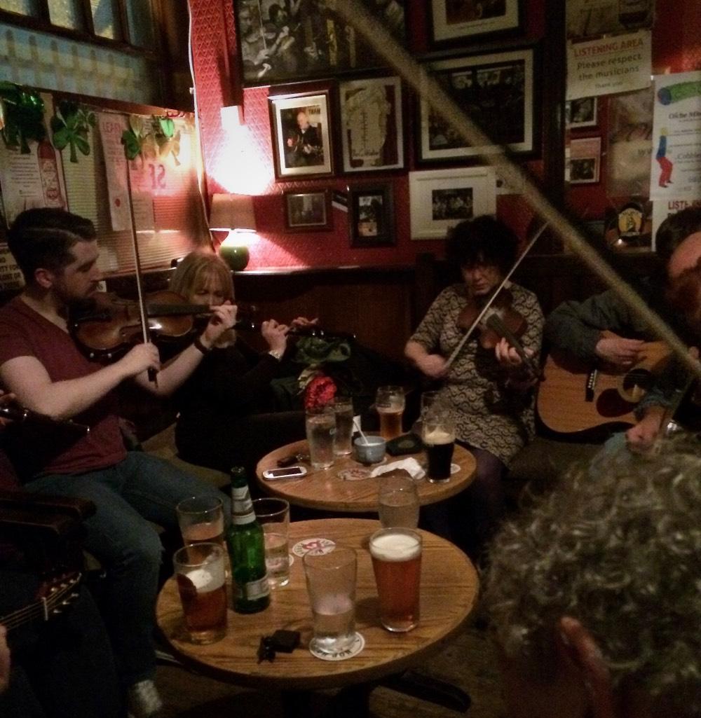 Musiker im Cobblestone-Pub in Dublin